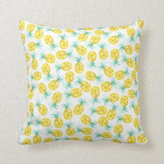 Modisches Gelbgrün-Aquarell-Ananasmuster Zierkissen