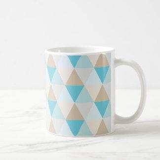 Modisches geometrisches Aquadreieckmuster Kaffeetasse