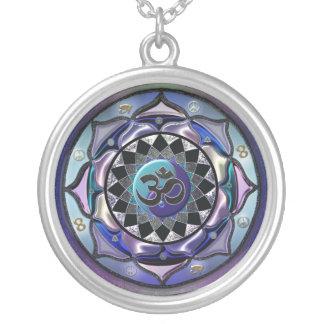 Mondmandala-coole getonte symbolische Halskette