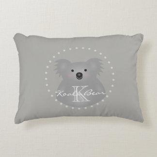 Monogramme câlin mignon d'ours de koala de bébé de coussins décoratifs