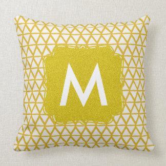 Monogrammgoldkissen personalisiert mit Namen Kissen