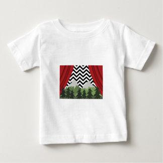 Montagnes jumelles de Lynchian T-shirt