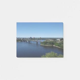 Montreal-Stadt-Fluss-Brücken-Post-Itanmerkungen Post-it Klebezettel