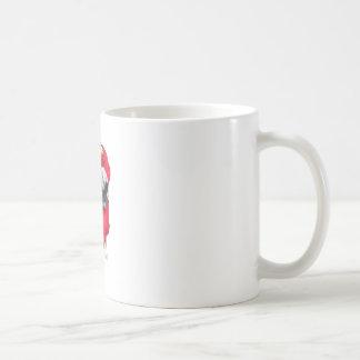 Mops im Kostüm Kaffeetasse