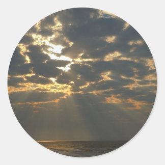 Morgen Sun auf Ozean - Eichen-Insel, NC Runder Aufkleber