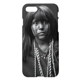 Mosa - eine Mojave-Frau durch Edward S. Curtis iPhone 7 Hülle