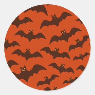 Motif éffrayant de battes de Halloween Brown Sticker Rond