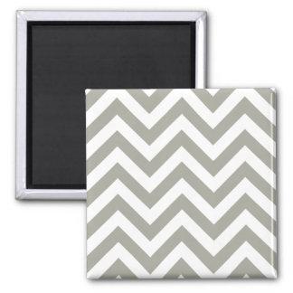 Motif gris de chevrons de zigzag magnet carré