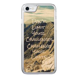 Motivierend Zitat: Fechten Sie Ihre Grenzen an Carved iPhone 8/7 Hülle
