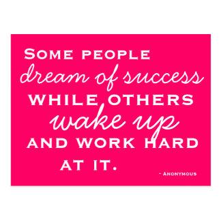 Motivierte und inspirierte Postkarte