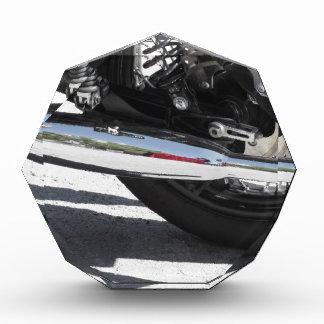Motorrad chromiertes Auspuffrohr. Seitenansicht Auszeichnung
