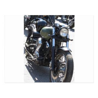 Motorrad im Parkplatz. Draußen Lebensstil Postkarte