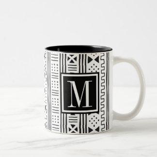 Mudprint inspirierte Monogramm Zweifarbige Tasse