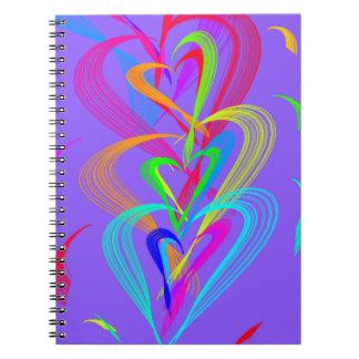 Multi Farbherz-Gekritzel auf lila Hintergrund Spiral Notizblock