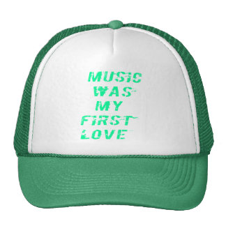 Music was my first love Shirts Retrokultkappe