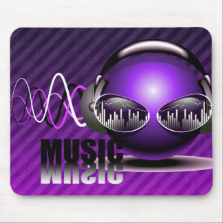 Musik, die in meine Ohren pumpt Mousepad