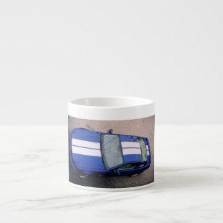 Muskelauto blaue Espresso-Tasse