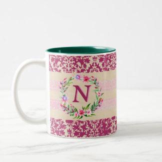 Mutig romantische Blumenmonogramm-Tasse (Wein) Zweifarbige Tasse
