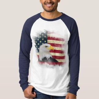 Mutige beunruhigte US-Flagge, T-Shirt