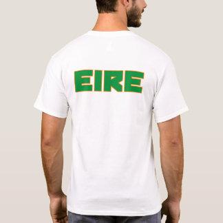 Mutiger Text Eire Irland und Flaggensymbol-Shirt T-Shirt