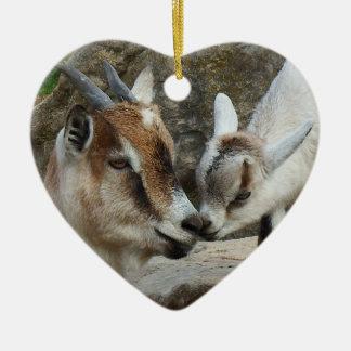 Mutter-und Baby-Ziegen-Valentinstag-Herz Keramik Ornament