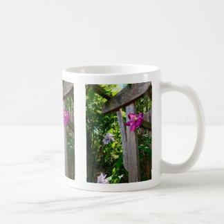 Mystische Clematis-Blumen-Tasse Kaffeetasse