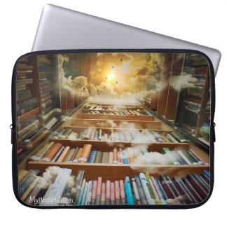 Mystisches unbegrenztes Bücherregal, das zur Laptopschutzhülle