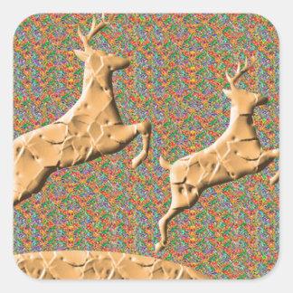 N espiègle emballant des cerfs communs sticker carré