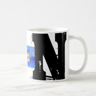 N-Monogrammtypografische Grunge-Tasse Tasse