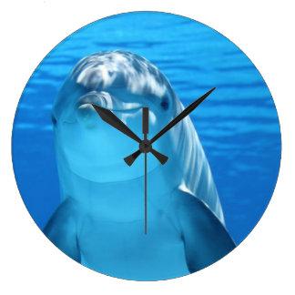 Nach obennahes des Delphins Große Wanduhr