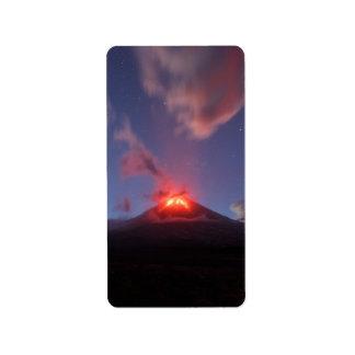 Nachtansicht des aktiven Vulkans der Eruption Adressaufkleber