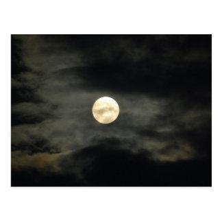 Nächtlicher Himmel - Vollmond und dunkle Wolken Postkarte