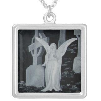 Nachts auf dem Friedhof - Angel Wing Necklaces Versilberte Kette