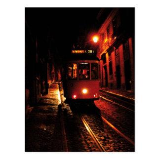 Nachttram in Lissabon Postkarte