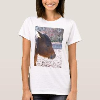 Nah oben von Brown-Pferd, kleines Brown-Pony T-Shirt