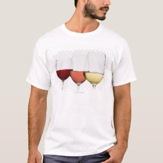 Nah oben von den Gläsern verschiedenen Weinen T-Shirt
