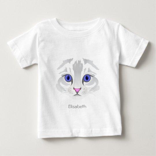 Nahes hohes Namensbaby-Shirt des niedlichen weißen Baby T-shirt