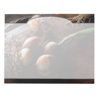 Nahrung - frisch gezogene Zwiebeln Notizblock