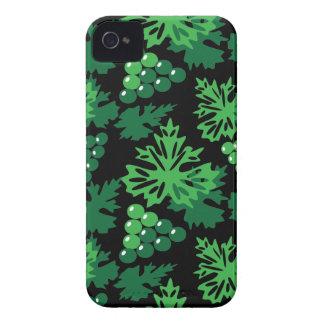 nahtloses Muster des Blätter mit Trauben iPhone 4 Etuis