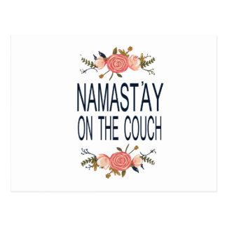 NAMASTAY AUF der COUCH lustig Postkarte