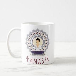 Namaste in der Lotos-Pose - Yoga Asana Tasse