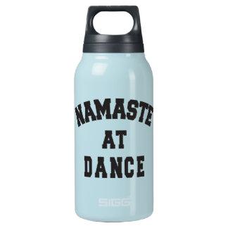 Namaste Tanz-an der thermischen Wasser-Flasche Isolierte Flasche
