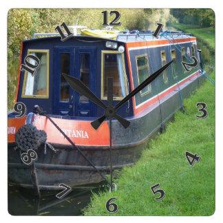Narrowboat auf britischem quadratische wanduhr
