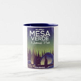 Nationalpark-Campingsreiseplakat MESAs Verde Zweifarbige Tasse
