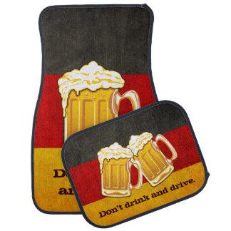 Ne buvez pas et ne conduisez pas - la partie de tapis de voiture