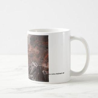 Nebelhafte Washington-Staats-Küstenlinie Kaffeetasse