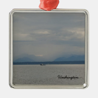 Nebeliges Boot Puget Sound-Tagesseattles Quadratisches Silberfarbenes Ornament