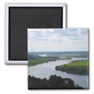 Nemunas Fluss bei Vilkija, LITAUEN --- Quadratischer Magnet