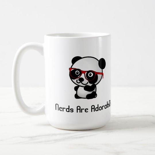 Nerds sind entzückender niedlicher Panda mit Kaffeetasse