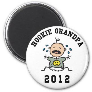 Neuer Anfängers-Großvater 2012 Runder Magnet 5,7 Cm